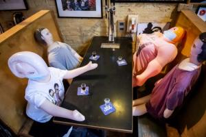 多伦多大排档项目刚启动…就有酒吧